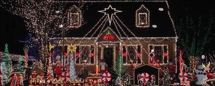 Una buena decoraci n exterior de navidad - Adornar la casa en navidad ...