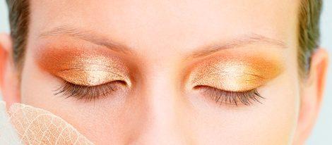 Maquillaje brillante para ojos esta Navidad 2011