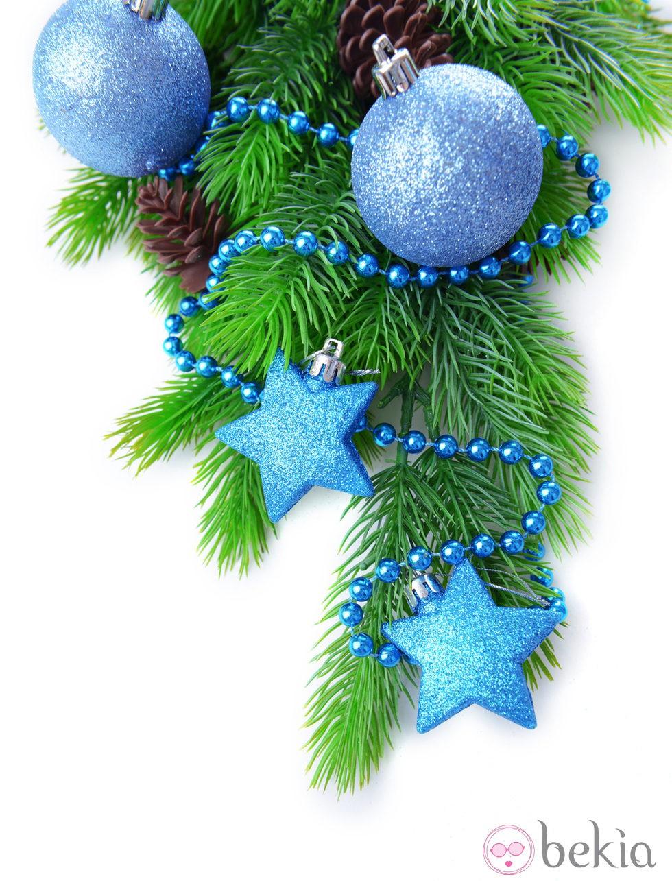Rbol de navidad decorado en color azul fotos de navidad - Arboles de navidad colores ...