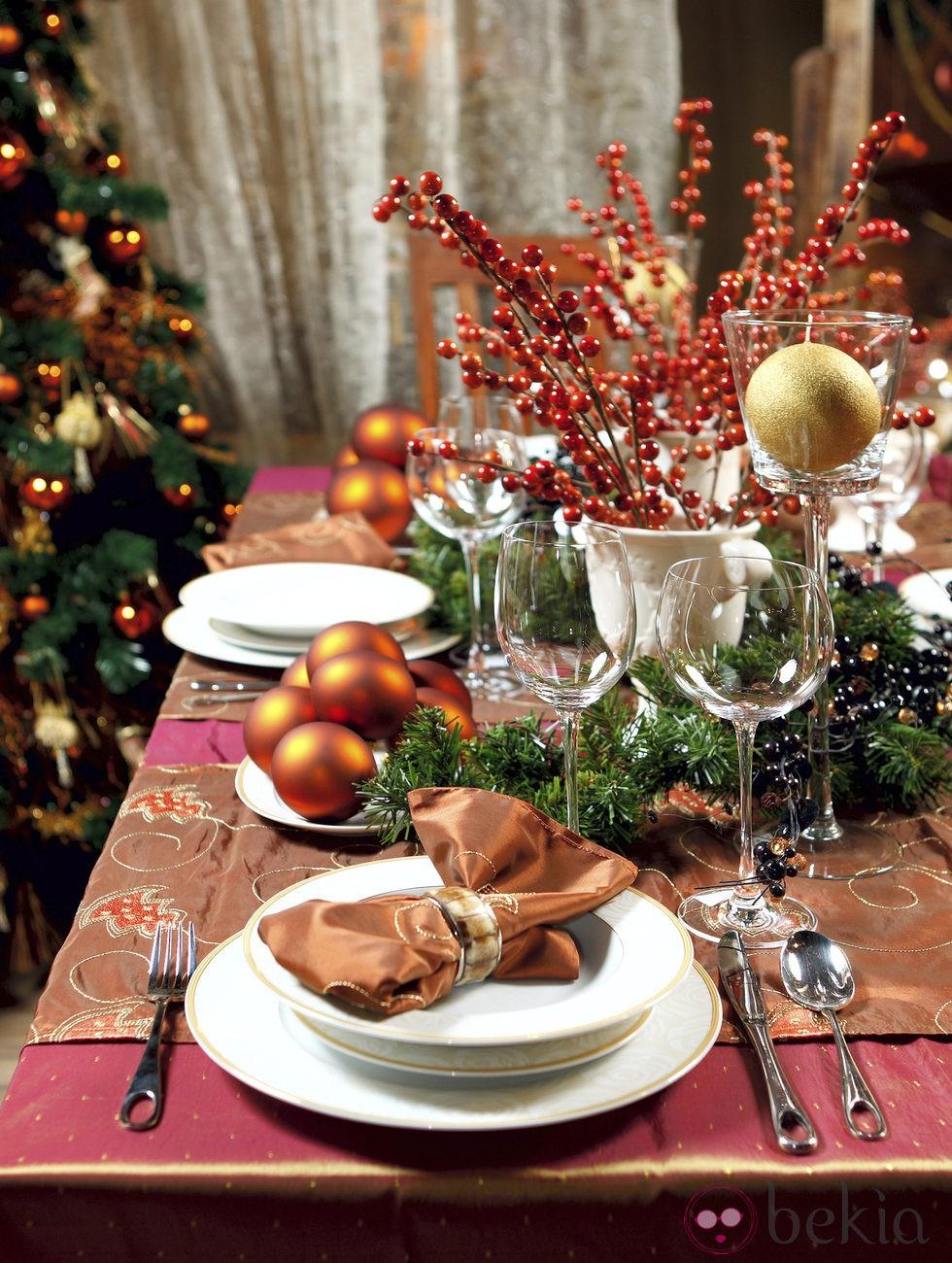 Una buena decoraci n de la mesa de navidad fotos de - Decoracion de mesa en navidad ...